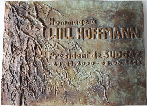 plaque bronze Will Hoffmann red