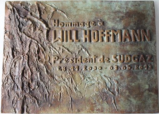 plaque bronze Will Hoffmann red